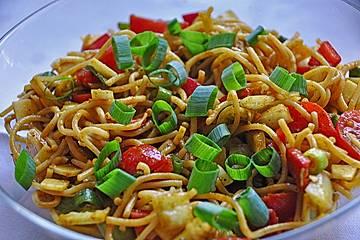 Spaghetti-Curry-Salat