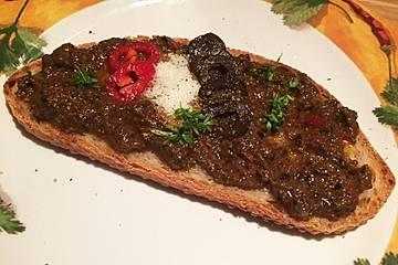 Crostini mit Oliven-Tapenade