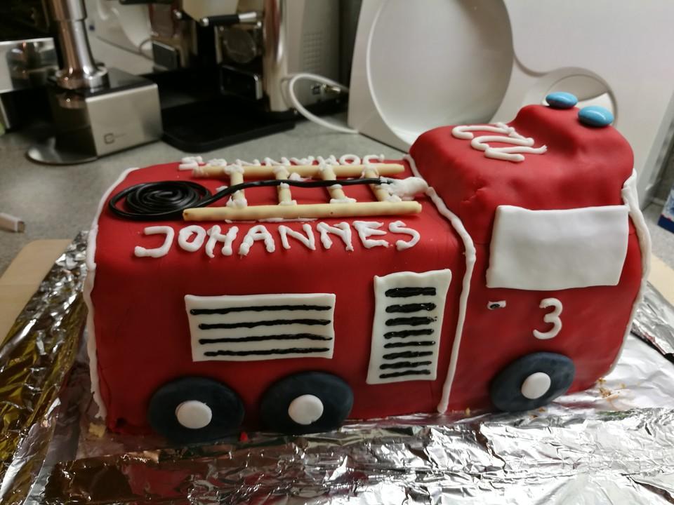 Kindergeburtstag Kuchen Feuerwehrauto Rezepte Chefkoch De