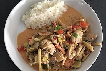 Thailändisches Puten-Curry aus dem Wok