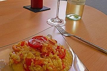 Safranrisotto mit Garnelen und Cocktailtomaten