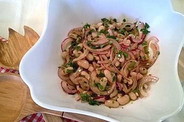 Piyaz; weißer türkischer Bohnensalat
