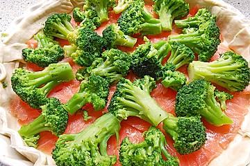 Brokkoli-Quiche mit Rächerlachs
