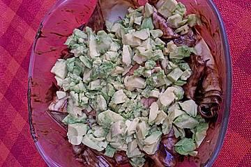 Mexikanische Schokoladensoße auf Lasagneblättern