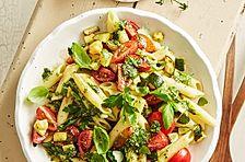 Scharfer Leichter Couscous Salat Mit Joghurt Minz Sauce Schnell