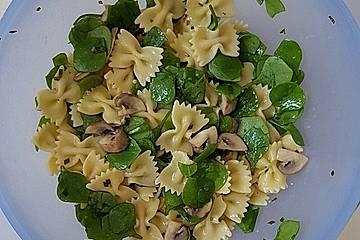 Pasta-Pilze-Postelein-Salat