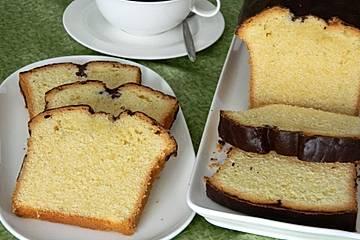 Sandkuchen mit Schokoladenglasur