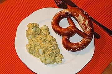 Eiersalat mit Erdnüssen