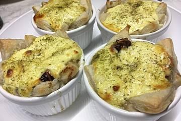 Karamellisierter Chicoree mit Ziegenkäse und Birnenmus