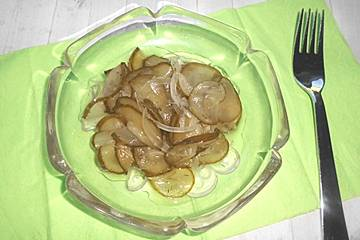 Gurkensalat in Gläsern