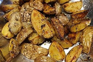 Potatoe Wedges mit Kräutern und Knoblauch