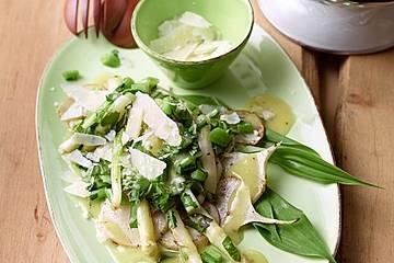 Warmer Frühlingssalat mit Mairübchen, grünem Spargel und Bärlauch