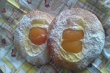 Süße Aprikosen-Spiegeleier