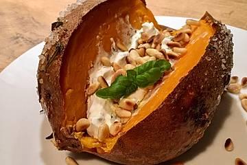 Ofen-Süßkartoffeln mit Ziegenkäse-Quark