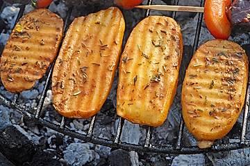 Marinierte Riffelsteaklettes von der Kartoffel für den Grill