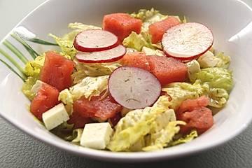 Sommerlicher Schafskäse-Melonen-Salat