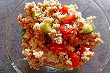 Couscous-Salat mit Himbeer-Vinaigrette