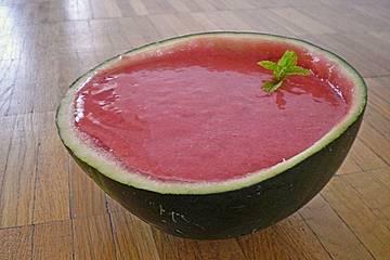 Geeiste Erdbeer-Melonen-Gazpacho
