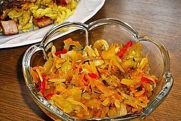 Puszta-Salat in Gläsern