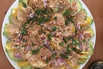 Avocado-Orangen-Carpaccio mit Räucherforelle