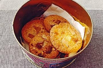 Knusprige white Chocolate-Zitronen-Ingwer Cookies mit Mandeln