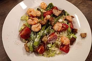 Gemischter Salat mit warmen Shrimps