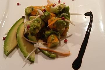 Avocado-Surimi-Salat