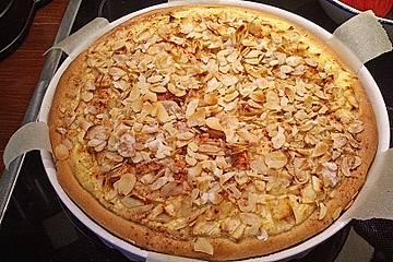Gartenliebes Herbstkuchen mit Quitten, Äpfeln und Zimt-Zucker-Mandelkruste