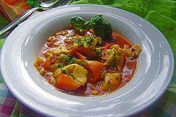 Tortellinisuppe mit Gemüse
