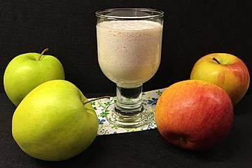 Luftiger Apfel-Zimt-Shake