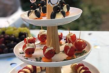 Oliven-Ziegenkäse-Pinguine