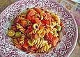 Nudelpfanne-mit-Oliven-und-Paprika