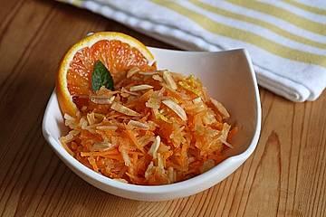 Möhren-Apfel-Salat mit Orangendressing