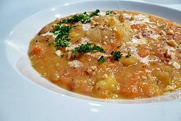 Pikante Gemüse-Kartoffelsuppe mit Apfelkompott