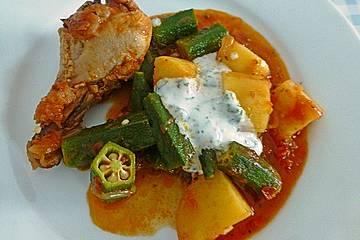 Türkischer Hühncheneintopf mit Okraschoten oder Zucchini