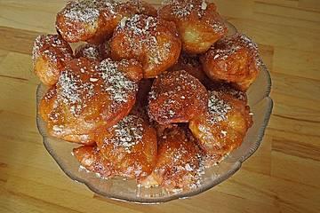 Baursaki mit Honig