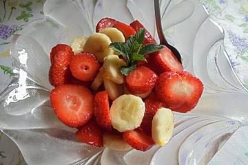 Erdbeer-Bananen Salat