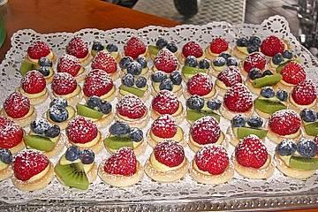Obsttörtchen mit Vanillecreme