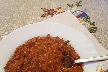 Cevapcici-Pfanne mit Reis und Gemüse in Paprika-Sauce
