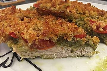 Überbackenes Pestohähnchen mit Brotkruste