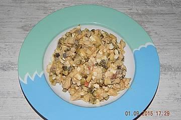 Herings- oder Matjessalat mit Putenfleisch