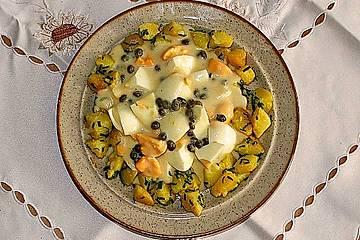 Eierragout mit Kapern im Würfelkartoffelrand