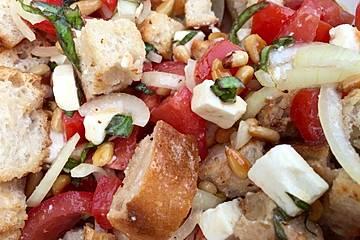 Italienischer Brotsalat mit Olivenciabatta