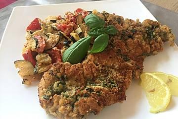 Tomaten-Zucchini-Gratin mit Puten-Basilikum-Schnitzel