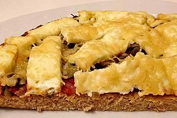 Mediterrane Thunfischpizza ohne Mehl