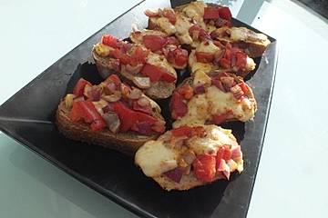 Bruschetta mit Tomaten und Mozzarella