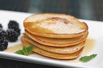 Mini-Pfannkuchen oder Pancakes