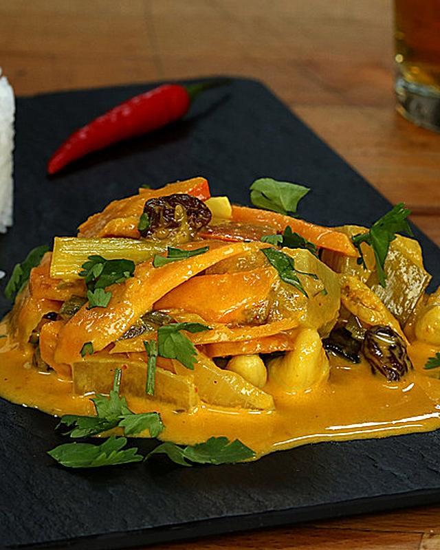 Raffiniertes Curry mit Mango, Kürbis und Cashewkernen