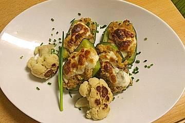 Zucchini mit Blumenkohl-Hackfleischfüllung