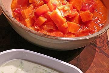 Süßkartoffel-Curry mit Gurken-Raita